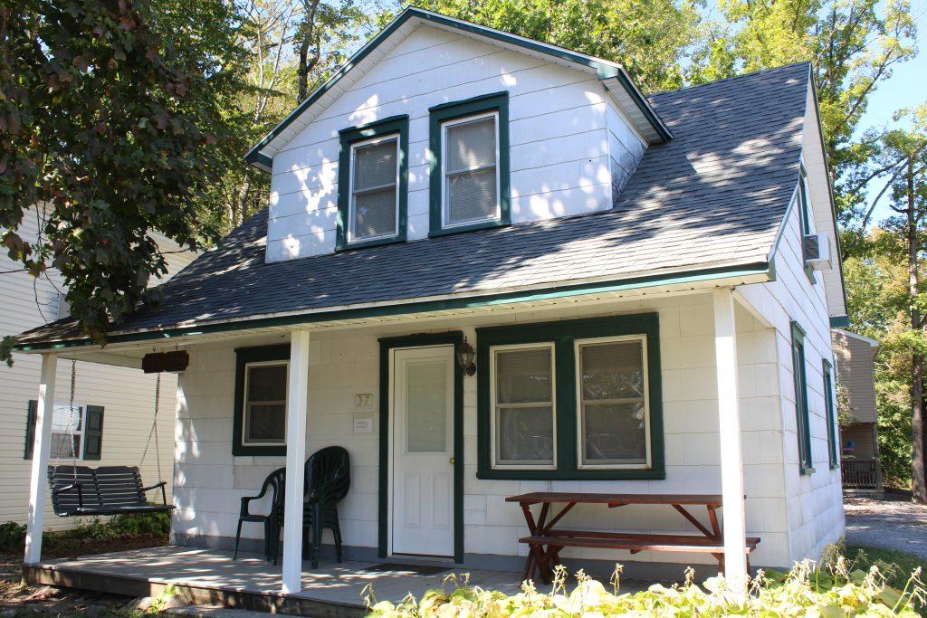 Kingdom Fellowship cabin lodging at Roxbury Holiness Camp